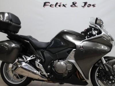VFR1200F ABS